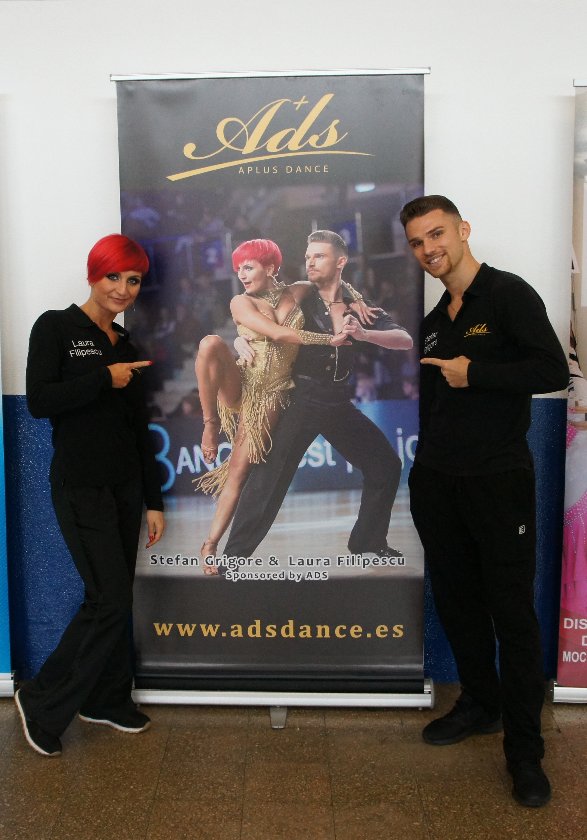 Roll up Stefan Grigore and Laura Filipescu in Bilbao Dancesport 2017 with zapatos de baile ADS Dance Spain